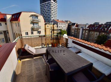 Predaj 2-izbový mezonetový tehlový byt 50 m2 s veľkou terasou 15 m2 a PARKOVANÍM VO DVORE na Povrazníckej ulici v Starom Meste-Bratislave.