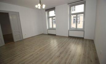 BA I., Staré Mesto, 4-izbový novozrekonštruovaný byt na Mateja Bela