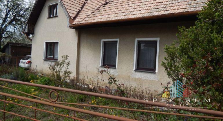 Na predaj 2-izbový rodinný dom 2390 m2, Oslany- časť Ľubianka, okres Prievidza