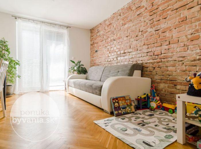 KVAČALOVA, 2-i byt, 55 m2 – TOP LOKALITA, zeleň a pokoj, CENTRUM mesta na pešo, TEHLA