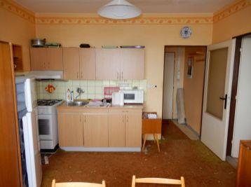 Vyhľadávaná lokalita, 35 m2, M. R. Štefánika, Levice