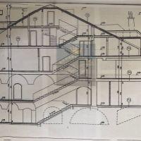 Rodinný dom, Banská Bystrica, 1100 m², Kompletná rekonštrukcia