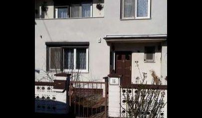 Na predaj 5.izbový rodinný dom Rovinka, Vojenská cesta.