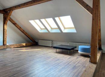 Ponúkame na prenájom podkrovie rodinného domu – vhodné ako kancelárske priestory.