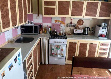 EXKLUZÍVNE - Slnečný 3-izbový byt s 2 balkónmi na predaj Poprad - Starý Juh