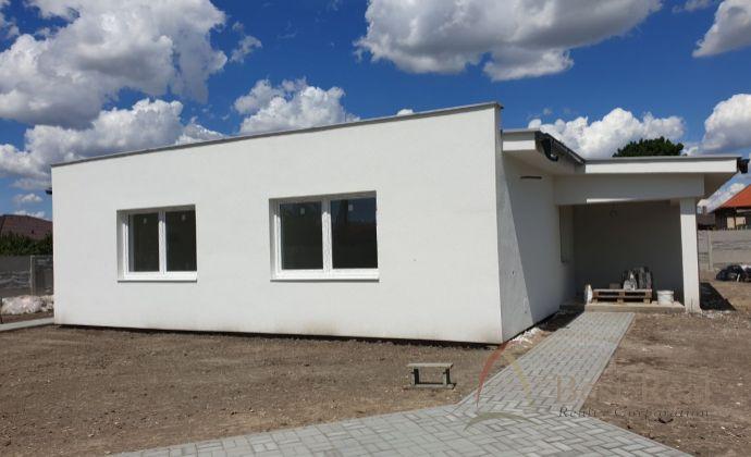 Best Real - Košúty - Rezervované: Novostavba rodinného domu, 3 izbový, výborne riešený, skolaudovaný + 2 parkovacie miesta