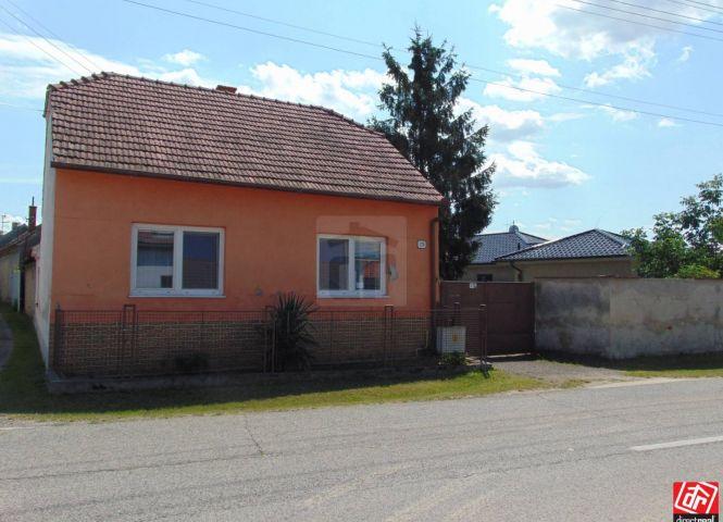 Rodinný dom - Brodské - Fotografia 1