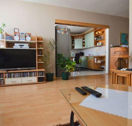 STARBROKERS - PREDAJ - priestranný 3iz byt s veľkou loggiou Malacky, ul. Malé Námestie
