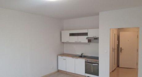 Kuchárek-real: Ponuka kompetne zrekonštruovanej garsónky . Bratislava-Vajnory.