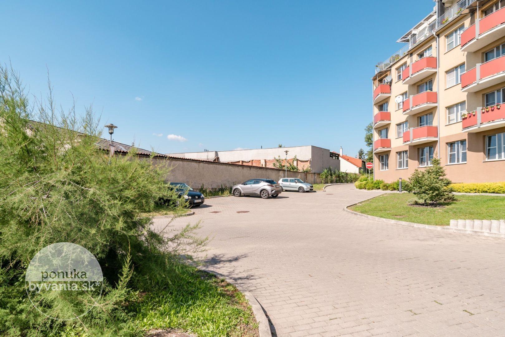 ponukabyvania.sk_Kupeckého_5-a-viac-izbový-byt_KOVÁČ
