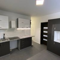 3 izbový byt, Senica, 77 m², Kompletná rekonštrukcia