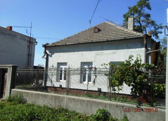 Rodinný dom - Komoča - Fotografia 1