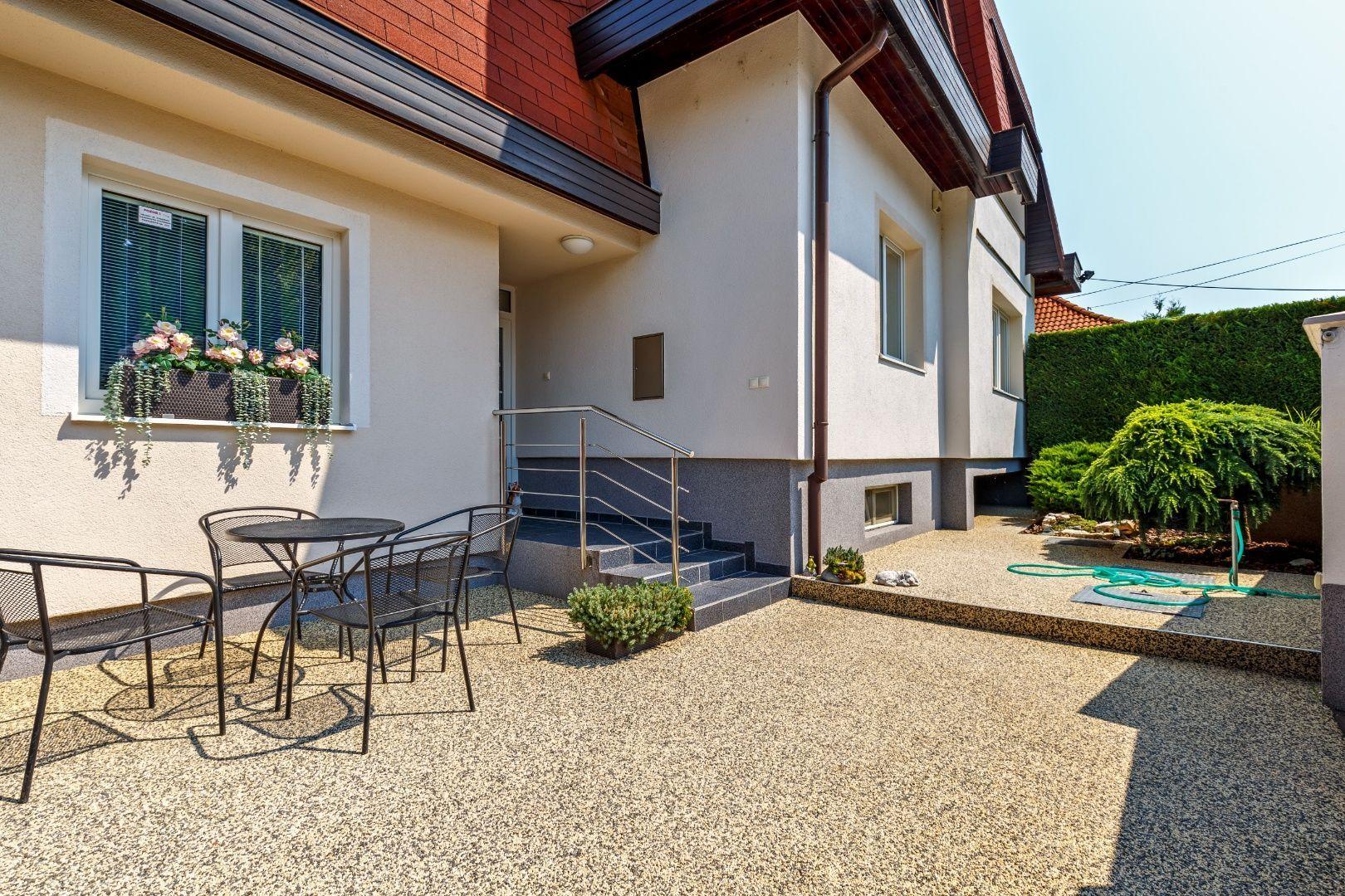 Rodinný dom-Predaj-Hamuliakovo-320000.00 €