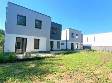 **NA PREDAJ: Nový 4 izb. dom zariadený do štádia ŠTANDARD/ krásna lokalita pri Malackách!!