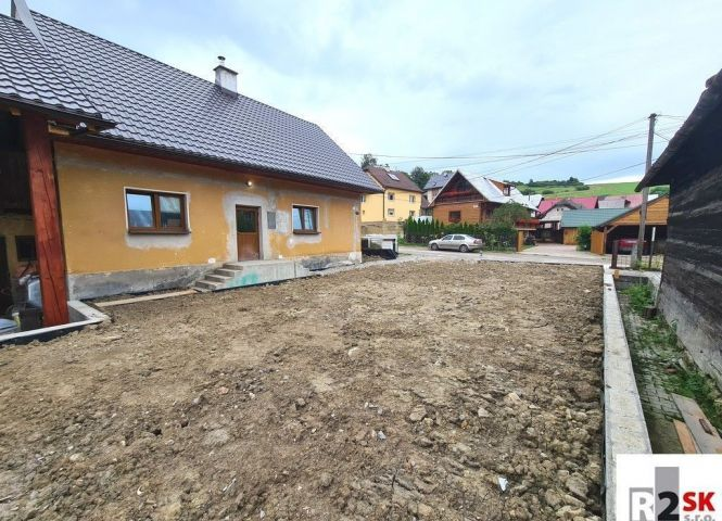 Rodinný dom - Horný Hričov - Fotografia 1