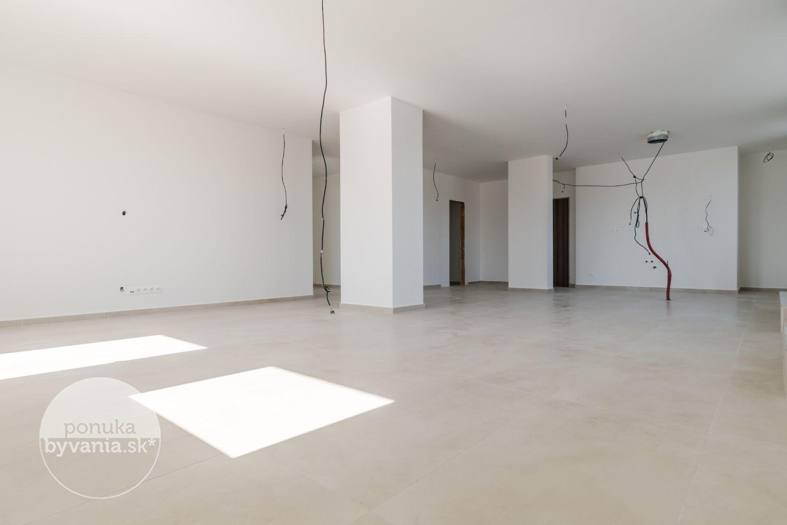 ponukabyvania.sk_Pri Vápenickom potoku_3-izbový-byt_KALISKÝ
