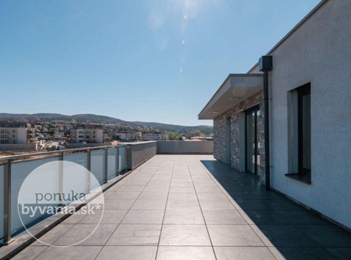 PREDANÉ - PRI VÁPENICKOM POTOKU, 3-i byt, 330 m2 - TEHLA, novostavba 2017, TERASA 160 m2, Malé Karpaty, TICHO