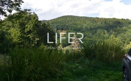 Rekreačný pozemok obkolesený prírodou na samote v obci Rudinská