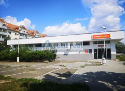 Areté real, Prenájom prízemnej budovy - 740m2 prevádzkových priestorov v blízkosti centra mesta Pezinok