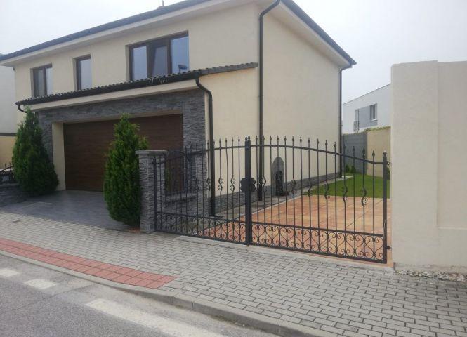 Rodinný dom - Bratislava-Jarovce - Fotografia 1