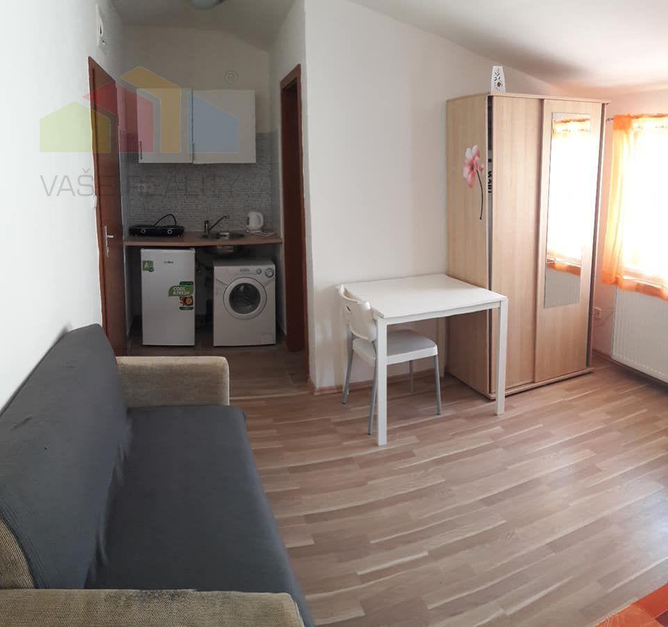 Garzónka-Prenájom-Bratislava - mestská časť Staré Mesto-450.00 €