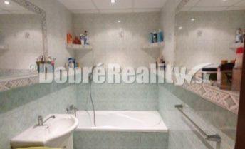 Príjemný 2 izbový byt s krásnym výhľadom na okolie neďaleko kúpaliska Odporúčam obhliadku!
