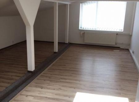 Podkrovné administratívne priestory 33,8m2, klimatizácia, parkovanie, Ružinov
