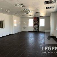 Kancelárie, Nové Mesto nad Váhom, 77 m², Kompletná rekonštrukcia