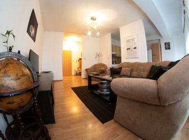Na prenájom krásny 2-izbový byt s lodžiou, 60 m², zariadený a vybavený, Ďatelinová ul., Ružinov Trávniky, pri OC RETRO, voľný ihneď
