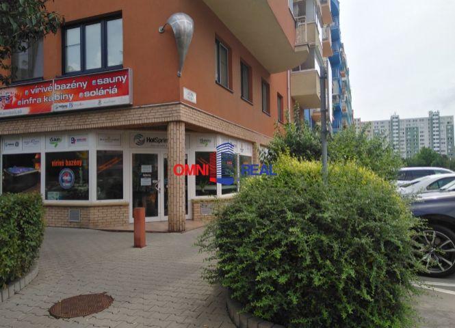 obchodné - Bratislava-Petržalka - Fotografia 1