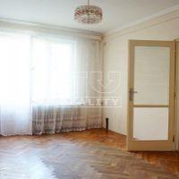 3 izbový byt, Nové Zámky, 63 m², Pôvodný stav