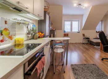 REZERVOVANÝ - Predaj pekného 2 izb. bytu v novostavbe, centrum mesta