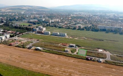 Pozemok na stavbu rod. domu - Nové Mesto nad Váhom