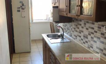 EXKLUZÍVNE - Veľmi pekný, komplet zrekonštruovaný  2 - izbový byt v Trenčíne