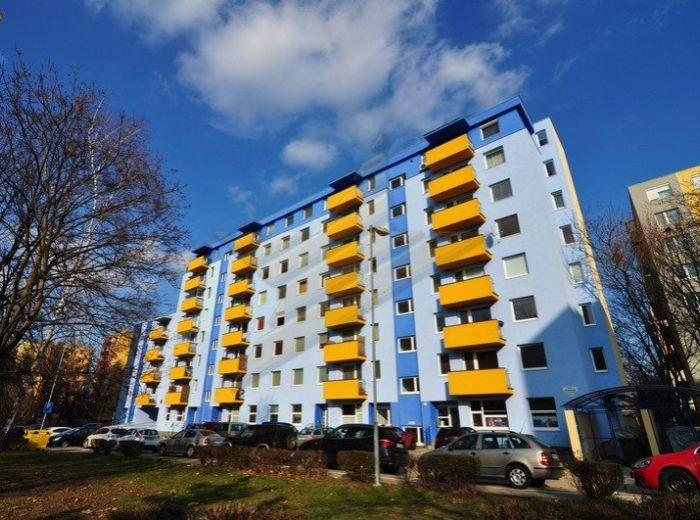 PREDANÉ - REZEDOVÁ, 2,5-i byt, 72 m2 - tehlová novostavba, VLASTNÉ KÚRENIE, mimo rušnej cesty, výborná lokalita PRI RETRE