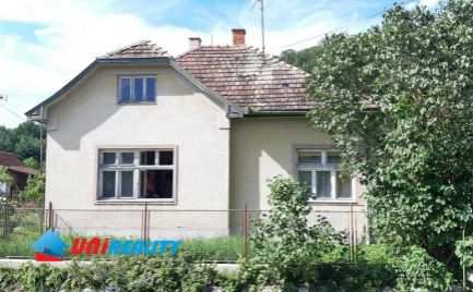 BÁNOVCE  nad  BEBRAVOU – Obec MIEZGOVCE –  3 – izb. rod. dom s garážou a peknou záhradou / pozemok 1.373 m2