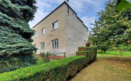 ZNÍŽENÁ CENA !!!Na predaj 3 generačný dom s krasným pozemkom