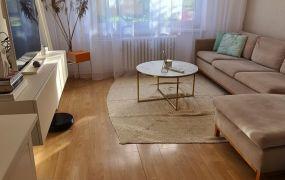 Na predaj  veľký, zariadený 2 izbový byt -  čiastočná rekonštrukcia, 59 m2,  Dubnica nad Váhom - Centrum I.