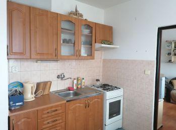 Zrekonštruovaný 1 izbový byt Poltár