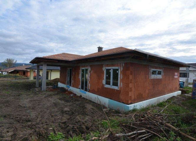 Rodinný dom - Nové Mesto nad Váhom - Fotografia 1