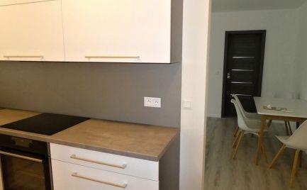 Pekný 2i byt po kompletnej rekonštrukcii v dobrej lokalite - Brezno