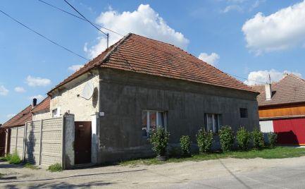 Na predaj trojizbový starší rodinný dom v rekonštrukcii