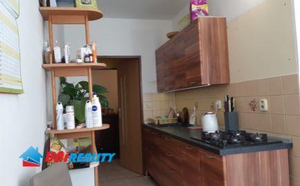 NOVÁ  DUBNICA – 2 – izb. byt / ul. Trenčianska / komplet rekonštrukcia / 58 m2