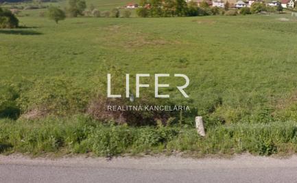 Na predaj investičný veľký pozemok v obci Hôrky
