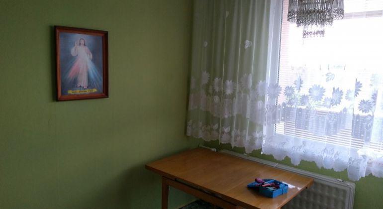 REZERVOVANÉ - 3 izbový byt s balkónom v širšom okolí  centra Topoľčian