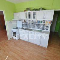 2 izbový byt, Šahy, 51 m², Čiastočná rekonštrukcia