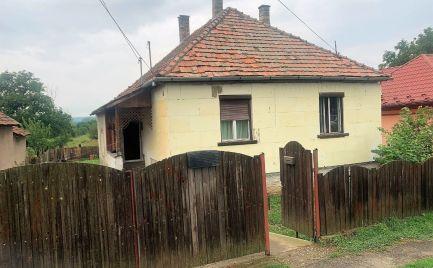 MAĎARSKO - GONCRUSZKA 3 IZBOVÝ ZATEPLENÝ RODINNÝ DOM S POZEMKOM 2000 M2