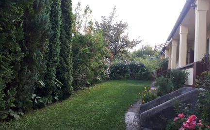 GEMINIBROKER Vám ponúka rodinný dom gazdovského typu vo výbornom stave  s výhľadom na kaštieľ v obci Fuzerradvány