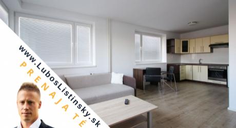 PRENAJATÉ: na prenájom jednoizbový byt v Poprade, mestská časť Veľká. Byt je zrekonštruovaný, kompletne zariadený a vďaka veľkým oknám výborne presvetlený.