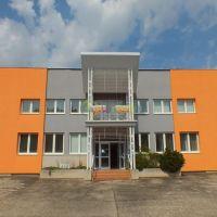 Polyfunkčný objekt, Vráble, 1 m², Novostavba